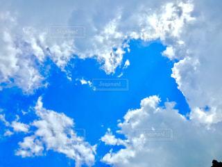 青空の雲の写真・画像素材[2417326]