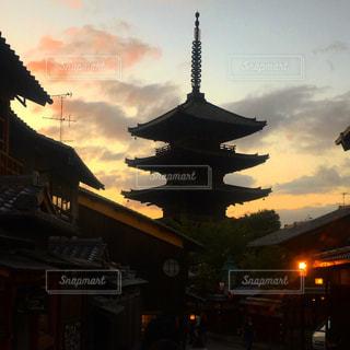 八坂の夕焼けの写真・画像素材[979921]