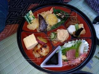 米の肉と野菜の一皿の食べ物の写真・画像素材[3884731]
