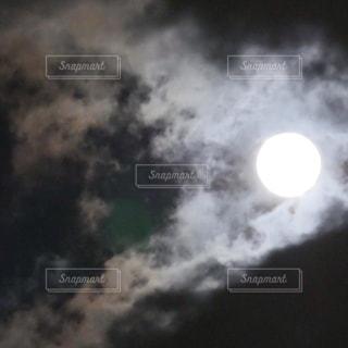 満月の夜の写真・画像素材[1037601]