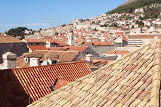 赤い屋根の世界遺産 ドブロブニク旧市街の写真・画像素材[982749]