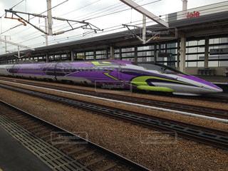 エヴァンゲリオン新幹線の写真・画像素材[1033211]