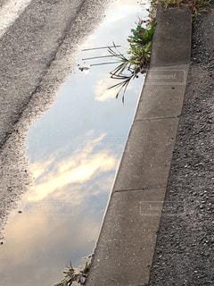 雨上がりの水たまり - No.1002350