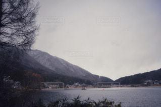 冬の木崎湖の写真・画像素材[985739]