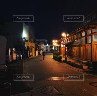 夜の温泉街の写真・画像素材[987916]