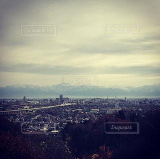 冠雪の立山連峰の写真・画像素材[987917]