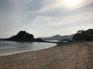 誰もいないビーチの写真・画像素材[987183]