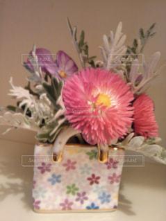 ミニサイズのバッグ型の花瓶がお気に入りです^_^の写真・画像素材[986791]