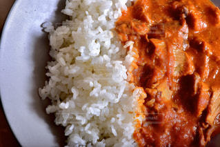 ご飯と一緒に食べ物の皿のクローズアップの写真・画像素材[3126384]