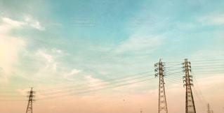 電線のシルエットと空の写真・画像素材[1143964]
