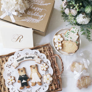 結婚式のプチギフトと結婚祝いのアイシングクッキーの写真・画像素材[1269282]