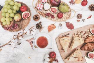 秋のアフタヌーンティー ピクニックの写真・画像素材[2732660]
