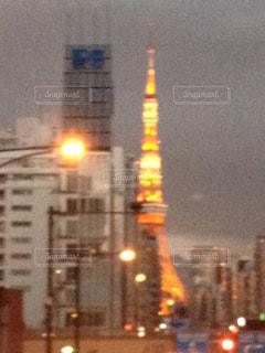 夕焼けの東京タワーの写真・画像素材[989383]