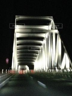 ライトアップされた橋の写真・画像素材[991042]