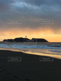 夕方の江ノ島の写真・画像素材[991070]