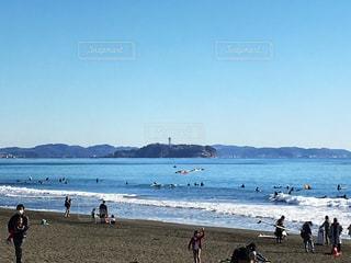 茅ヶ崎から見た江ノ島の写真・画像素材[992056]