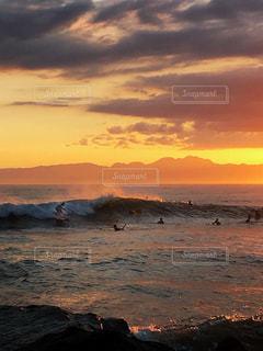 Sunset surfersの写真・画像素材[995193]