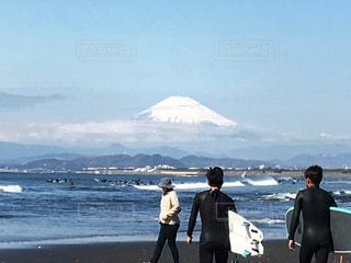 富士山🗻とサーファー🏄♂️の写真・画像素材[1062231]
