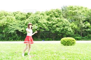 公園でシャボン玉の写真・画像素材[1516912]
