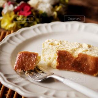とろけるスフレチーズケーキの写真・画像素材[2776747]
