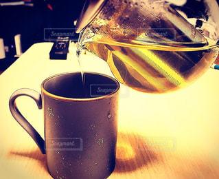 ピーチの香りと癒しの緑茶の写真・画像素材[1434109]