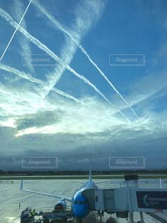 エジンバラ空港の朝の空の写真・画像素材[992677]