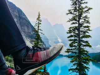 カナダ バンフ国立公園 モレイン湖の写真・画像素材[1418043]