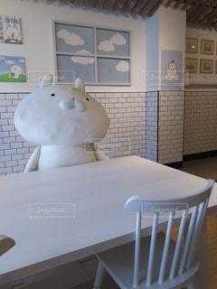 ダイニング ルームのテーブルの写真・画像素材[990883]