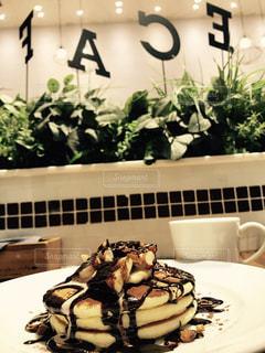 チョコとナッツのパンケーキの写真・画像素材[995827]