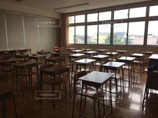 放課後誰もいない教室の写真・画像素材[991842]