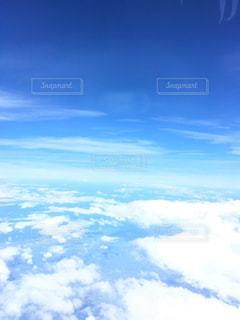 空に浮かぶ雲の写真・画像素材[994931]