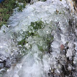 水漏れ凍結の写真・画像素材[994940]