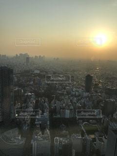 大都市の夕暮れの写真・画像素材[995058]