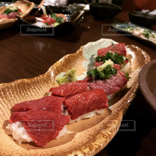 馬肉寿司の写真・画像素材[996280]
