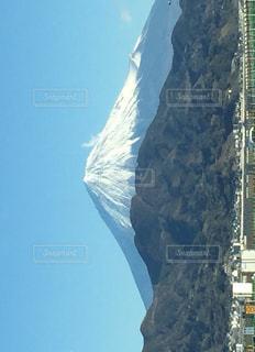 由比パーキングから見る富士山の写真・画像素材[1750088]