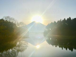 田貫湖からのダブルダイヤモンド富士の写真・画像素材[1388388]