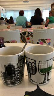 テーブルの上のコーヒー カップ - No.997058