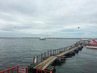 フィリピンのセブ島のマクタンの海の写真・画像素材[998459]