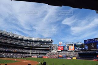 アメリカ(ニューヨーク)のヤンキーススタジアムの中(球場)の写真・画像素材[998518]