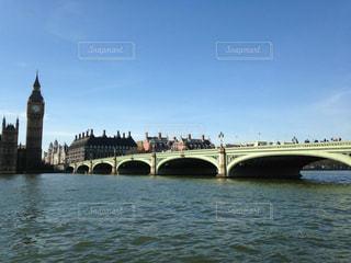 ロンドン(イギリス)の名観光地「テムズ川」の写真・画像素材[1001011]
