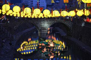 ランタンの眼鏡橋の写真・画像素材[1000813]