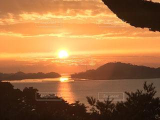 双観山の朝日の写真・画像素材[1001247]