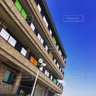 青空と建物のコントラスト - No.1001389