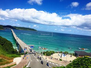 角島の海は安定の綺麗さですの写真・画像素材[1001433]