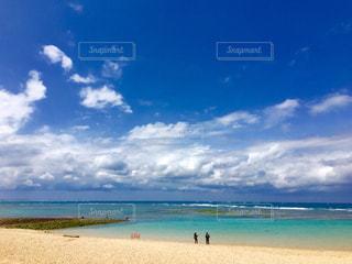 青い空、青い海の写真・画像素材[1001914]