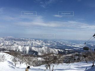 晴天な雪山の写真・画像素材[1002322]