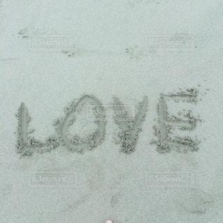 砂に書いたラブレターの写真・画像素材[1006604]