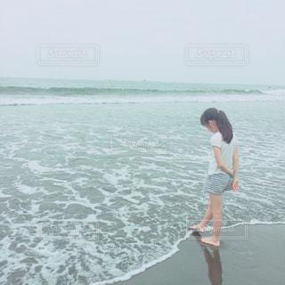 波打ち際の写真・画像素材[1009347]