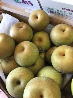 果物の種類でいっぱいのボックスの写真・画像素材[1004208]