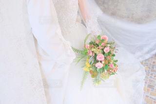 ウェディングドレスを着た人の写真・画像素材[2371635]